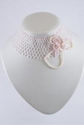 """Стойка """"Свадьба"""". Стойка выполнена из чешского бисера ,пластиковых розочек ручной работы и натурального жемчуга."""