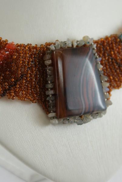 Колье из чешского бисера , агата, сердолика и лабрадора.